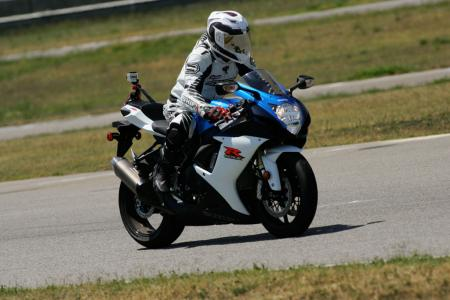 2011 Middleweight Sportbike Shootout - Track 011