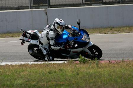 2011 Middleweight Sportbike Shootout - Track 012