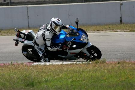 2011 Middleweight Sportbike Shootout - Track 013