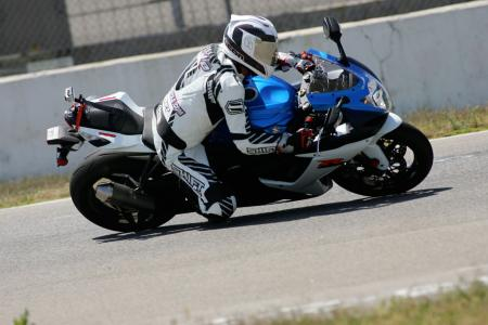 2011 Middleweight Sportbike Shootout - Track 014