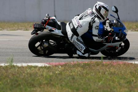 2011 Middleweight Sportbike Shootout - Track 017