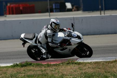 2011 Middleweight Sportbike Shootout - Track 034