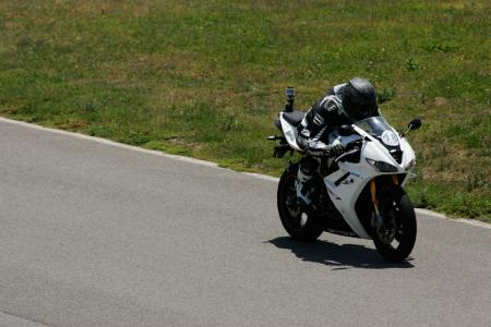 2011 Middleweight Sportbike Shootout - Track 039