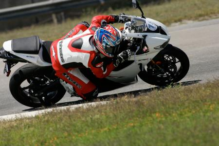 2011 Middleweight Sportbike Shootout - Track 047