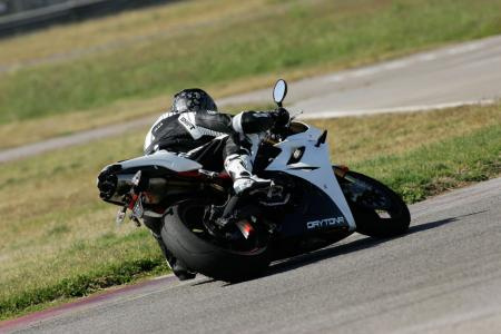 2011 Middleweight Sportbike Shootout - Track 059