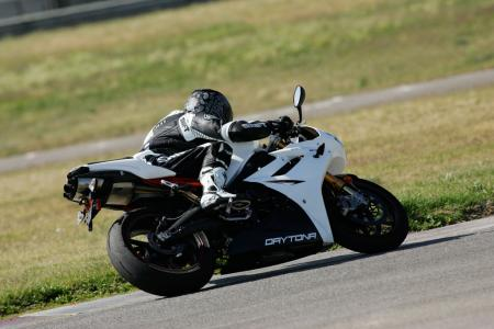 2011 Middleweight Sportbike Shootout - Track 062