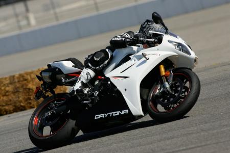 2011 Middleweight Sportbike Shootout - Track 066