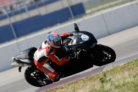 2011 Middleweight Sportbike Shootout - Track 067