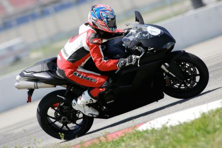2011 Middleweight Sportbike Shootout - Track 069