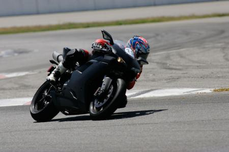 2011 Middleweight Sportbike Shootout - Track 071