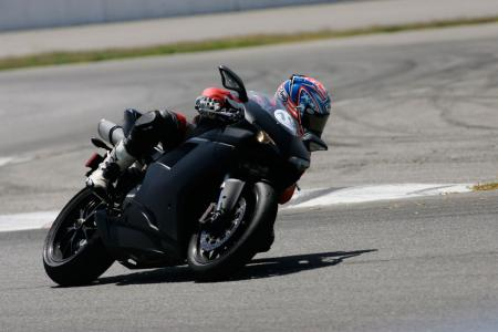2011 Middleweight Sportbike Shootout - Track 073