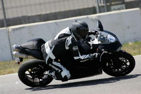 2011 Middleweight Sportbike Shootout - Track 083