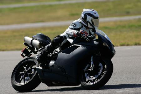 2011 Middleweight Sportbike Shootout - Track 089