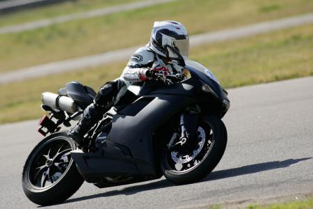 2011 Middleweight Sportbike Shootout - Track 092