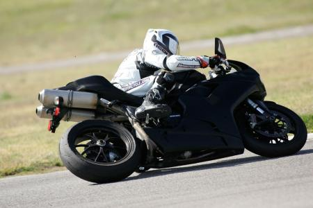 2011 Middleweight Sportbike Shootout - Track 093