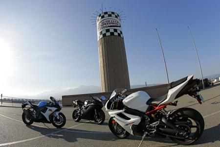 2011 Middleweight Sportbike Shootout - Track 108