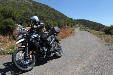 2011 Triumph Tiger 800 XC Action Road 02