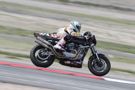 Racing the Harley-Davidson XR1200 BJN78783