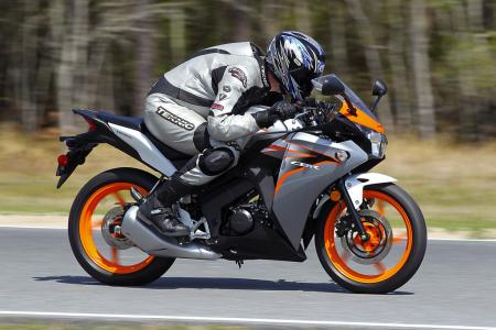 2011 Honda Cbr125r Review Motorcycle Com