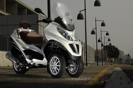 2012 piaggio mp3 touring unveiled - motorcycle news