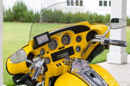 The Electra Glide is one of two CVOs that have the Garmin Road Tech Zumo 660 GPS as standard equipment for 2012. It offers 4GB storage for you collection of MP3 files, with the MP3 player menu accessible via the switchgear-mounted audio controls.