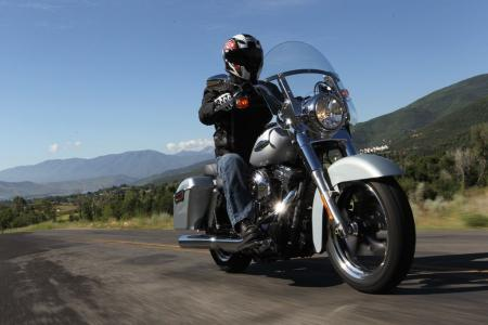 2012-harley-davidson-switchback-review-BJN75387.JPG