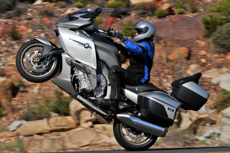 BMW K1600GTL Wheelie