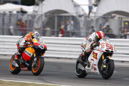 Local boy Marco Simoncelli outraced Andrea Dovizioso to take fourth place.