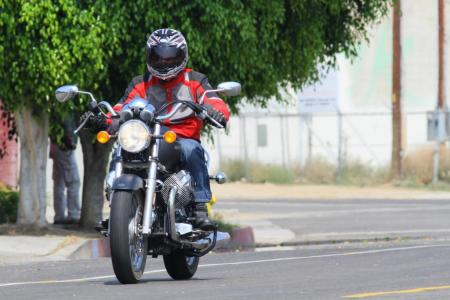 2011-moto-guzzi-california-black-eagle-review-12