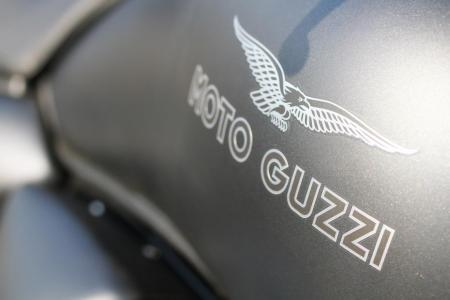 2011-moto-guzzi-california-black-eagle-review-18