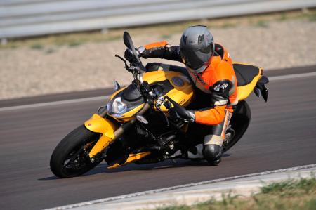 2012 Ducati 848 Streetfighter Action1