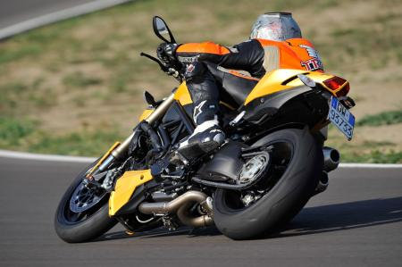 2012 Ducati 848 Streetfighter Action4
