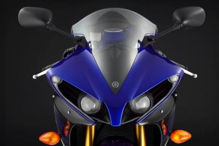 102111-2012-yamaha-yzf-r1-review-i-mm6xxjn.jpg