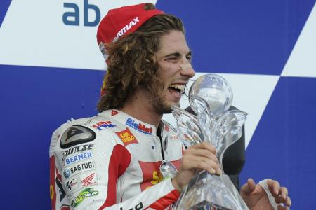 After a rough start to the 2011 season, Simoncelli appeared to have buttoned down, scoring his first career MotoGP podium finish at the Brno round.