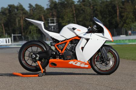 2012 KTM 1190 RC8R Race Spec 01
