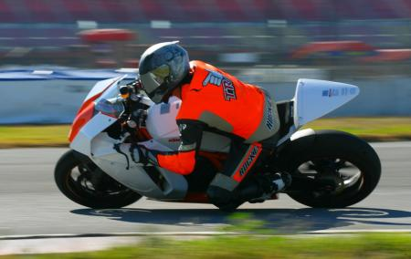 2012 KTM RC8 R Race Spec 02