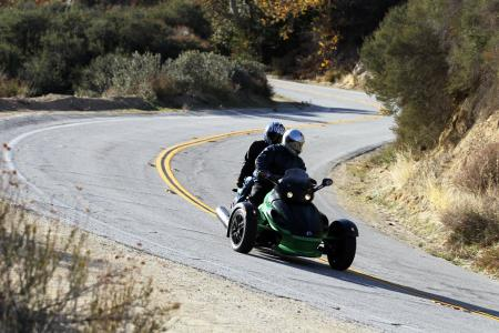 121511-2012-can-am-spyder-rt-11
