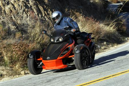 121511-2012-can-am-spyder-rs-12
