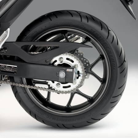 2012-honda-nc700x-rear-wheel