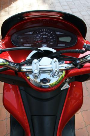 2012 Honda PCX Bars Gauges 0508