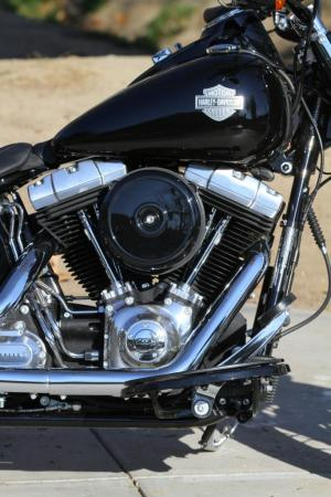 2012-harley-davidson-softail-slim-engine_1239