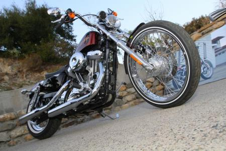 2012-harley-davidson-seventy-two-low-angle_1573