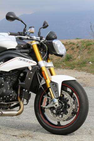 030712-2012-triumph-speed-triple-streetfighters_img_0195