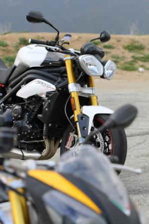 Aprilia Tuono V4 R and Triumph Speed Triple R