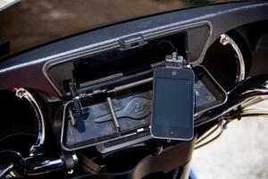 2010/2012 Custom Star Stratoliner Deluxe iPod Connection