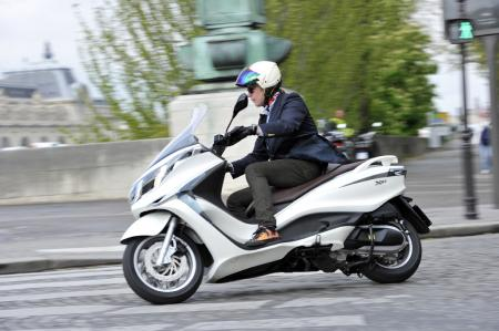 Piaggio  Motorcycles on Picture  Other   050812 2012 Piaggio X10 Review 14