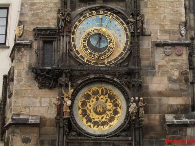 07 go east2 czech prague astronomical clock