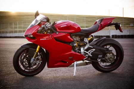 2012 Ducati 1199 Panigale S beauty shot
