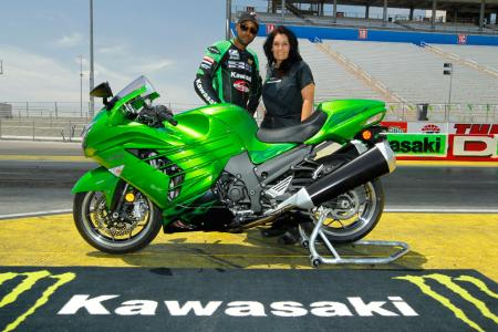 Kawasaki-ZX-14R-Zero-to-Hero_CP13975