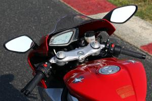2013 MV Agusta F3 675 mirrors and controls